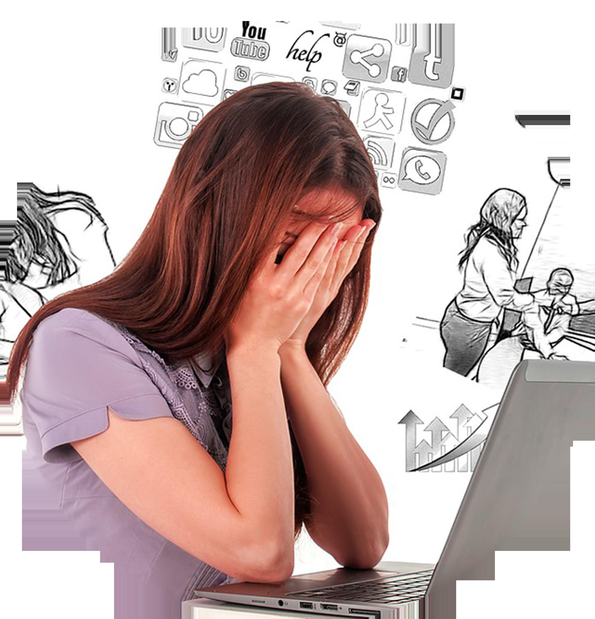 femme qui se cahe la tête dans les mains devant son ordinateur portable site balise ton article